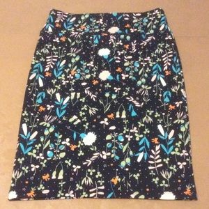 LuLaRoe Cassie black floral pencil skirt Small